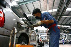 Thợ máy công nghiệp